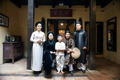 Áo dài xưa tôn vinh nét đẹp người phụ nữ Việt