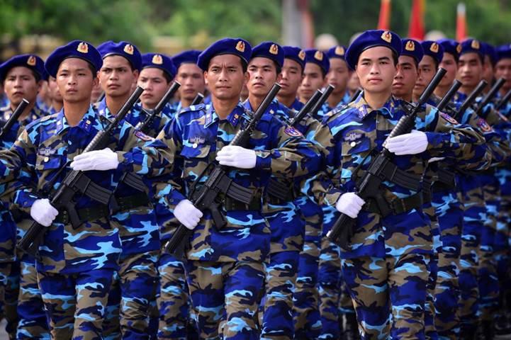 Đồng phục của cảnh sát biển