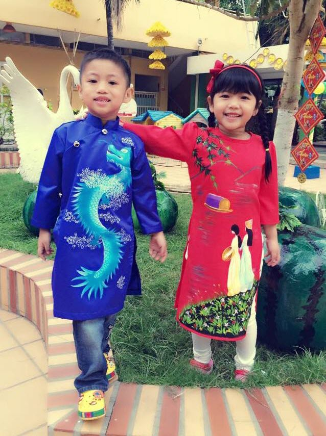 Áo dài trẻ em ngày Tết siêu đẹp
