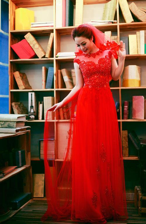 Áo dài cưới cũng kiêu sa không kém gì váy cưới