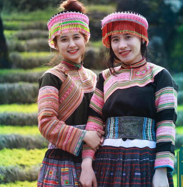 Các dân tộc khác nhau có trang phục khác nhau