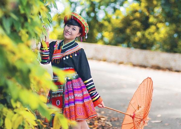 Nhiều người thích chụp ảnh với trang phục của dân tộc khác.