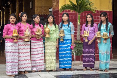 Bán và cho thuê trang phục Myanmar tại Hoài Giang Shop