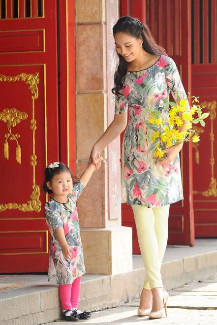 Sản phẩm áo dài cách tân cao cấp cho bé gái có chất lượng bền đẹp