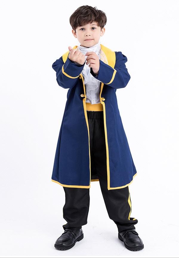 Trang phục hoàng tử cần phù hợp với kích thước cơ thể