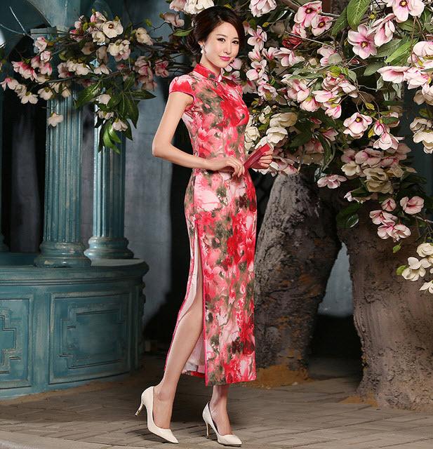 Áo sườn xám Trung Quốc tôn lên nét đẹp cho người phụ nữ