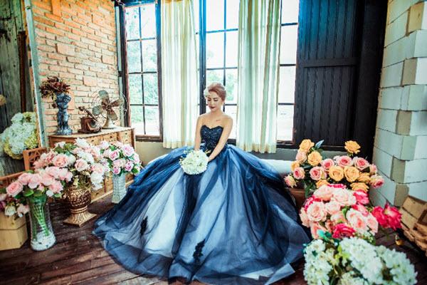 5 mẫu váy cưới sang trọng dành cho cô dâu mùa cưới đầu năm