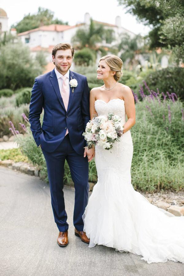 điểm khác nhau của vest cưới và vest nam công sở