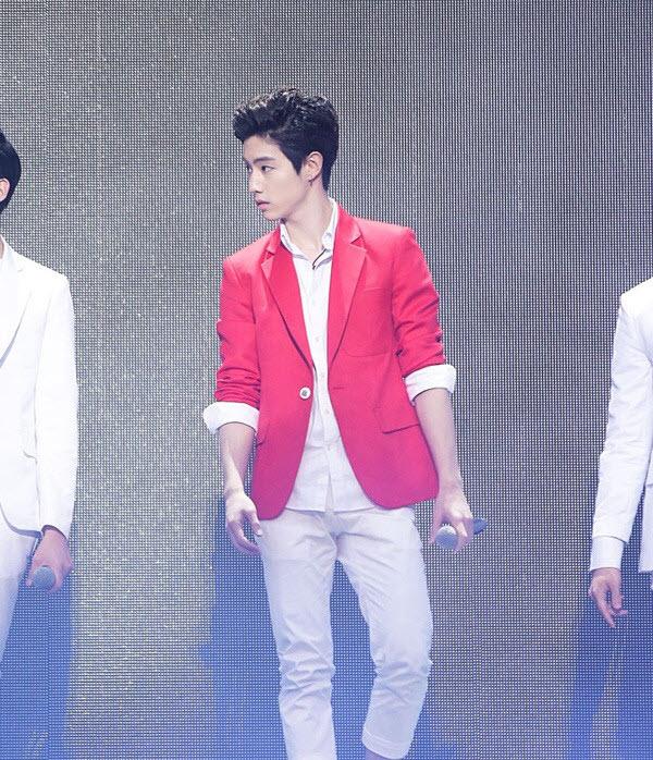 Sao nam Hàn và muôn kiểu mix đồ cùng vest