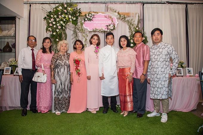 Hồng pastel lên ngôi trong lễ ăn hỏi của Kim Nhã BB&BG và chú rể Thái Lan